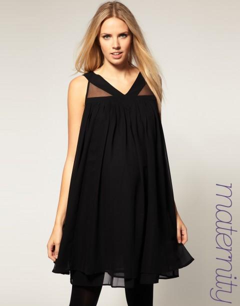 238bdff9b314 Jättefin svart chiffonklänning ...